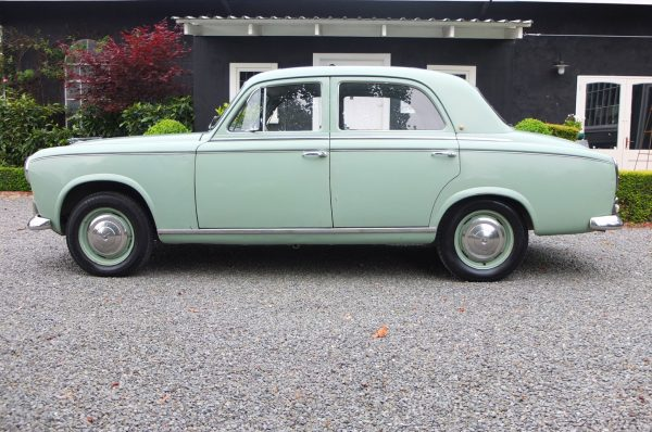 1957 Peugot 403 - Bains Classic Motor House